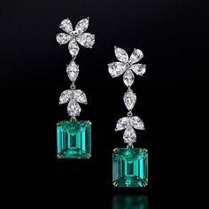 carat Emerald Cut Colombian Emerald Earrings by Ronald Abram Gems Jewelry, Art Deco Jewelry, Gemstone Jewelry, Jewelery, Vintage Jewelry, Jewelry Design, Fine Jewelry, Aquamarine Earrings, Diamond Earrings
