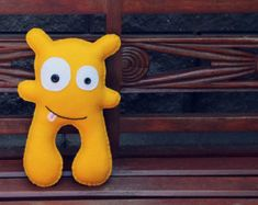 Richie: Gold Felt Monster Soft Toy by babua on Etsy Polymer Clay Kawaii, Polymer Clay Animals, Sock Monster, Felt Finger Puppets, Softie Pattern, Ugly Dolls, Stuffed Animal Patterns, Softies, Felt Crafts