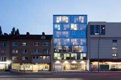 Image 1 of 20 from gallery of Residential and Office Building / blauraum Architekten. Photograph by Werner Huthmacher
