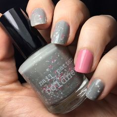 Ahhh yay! Polish! I've been meaning to wear this pretty little polish for a while now. This is #nailpatternboldness #oodiful with a #squarehue #gibsongirl accent. #notd #soft #doctorwho #ood #mani #prettypolish