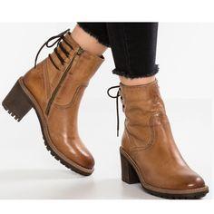 Plain Chunky High Heeled Round Toe Date Outdoor Short High Heels Boots High Heels Outfit, Dress And Heels, High Heel Boots, Heeled Boots, Dress Shoes, Dance Shoes, Chunky High Heels, Martin Boots, Womens High Heels