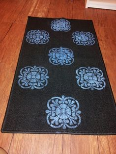 Painted rug Patio Paint, Painted Rug, Paint Ideas, Kids Rugs, Cabin, Decorating, Christmas, Crafts, Diy