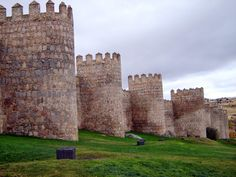 Postcards from Spain: Ávila - Las Murallas  http://bovington-posts.blogspot.com.es/2014/06/avila-las-murallas.html