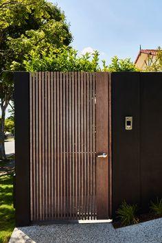 Barlow House by Alexandra Buchanan Architecture - Ambitious .- Barlow House by Alexandra Buchanan Architecture – Ambitious Transform As A Result The Front Façade Was Transformed, Giving House Barlow A New Identity.