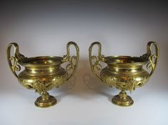 Probably Barbedienne pair of French bronze urns : Lot 143