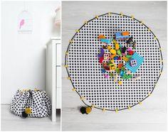 Praktische Tasche fürs Spielzeug, Ordnung im Kinderzimmer / cute storage idea: black white bag for toys made by Cozydots via DaWanda.com