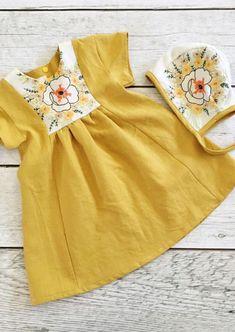 Baby Dress Handmade Mustard Linen Toddler Dress With Vintage Embroidery Toddler Dress, Toddler Outfits, Kids Outfits, Baby Girl Fashion, Fashion Kids, Handgemachtes Baby, Embroidery Dress, Vintage Embroidery, Embroidery Patterns