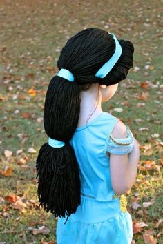 Feel Good of The Day: This Mom Created a Group to Crochet Disney Wigs For Young Cancer Patients Costume Jasmine Enfants, Jasmine Costume Kids, Yarn Wig, Hair Yarn, Yarn Braids, Crochet Disney, Dress Up Costumes, Diy Costumes, Teen Costumes