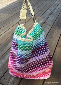 Crochet rainbow bag by BautaWitch Swedish photo tutorial  ★•☆•Teresa Restegui http://www.pinterest.com/teretegui/•☆•★