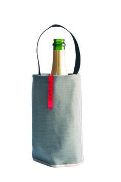 Les rafraîchisseurs Fresh Baladeurs habillent les vins & les champagnes d'un froid chic; rangés dans le congélateur, ils sont toujours prêts à l'emploi. Dotés d'une anse et d'un fond en néoprène, ils facilitent le service à table ou en extérieur, et voyagent facilement // Fresh Baladeur wine coolers adorn wines & champagnes in cold chic; stored in the freezer, they are always ready to use. Equipped with a handle and a bottom, they facilitate service at table or outside, and travel easily.