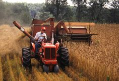 Allis Chalmers Model 90 Combine | Antique Tractors - 1957 Allis Chalmers WD45 & Model 60 Combine
