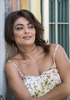 Juliana Paes estreia em 'A Força do Querer' como a mulher de um traficante #AguinaldoSilva, #Atriz, #Globo, #Gravidez, #JulianaPaes, #Livro, #M, #Mulheres, #Mundo, #Noticias, #Novela, #OGlobo, #Opinião, #SP, #Vídeo http://popzone.tv/2017/04/juliana-paes-estreia-em-a-forca-do-querer-como-a-mulher-de-um-traficante.html