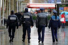 http://www.politistul.ro/francezii-lauda-si-felicita-politistii-romani/