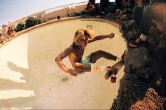 'On the Rocks at Arthur's Pool' | Nelson Valentine, Arthur's Pool, Santa Monica, October 1976 | @SingleFin_