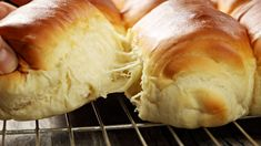 My recipe for wonderfully airy rolls that look like Buchteln on the outside but can be eaten sweet and savory. The post My recipe for wonderfully airy rolls that look like Buchteln on the outside appeared first on Orchid Dessert. Pork Chop Recipes, Meatloaf Recipes, Fish Recipes, My Recipes, Crockpot Recipes, Cake Recipes, Easy Rolls, Homemade Dinner Rolls, Hot Dog Recipes