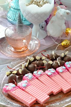 Nutcracker Tea Party: Visit the land of sweets -ideas for a Nutcracker Ballet Themed Tea Party with themed food and pink and aqua decorations. Girls Tea Party, Tea Party Theme, Tea Party Birthday, Tea Party For Kids, Kids Tea Parties, Pink Birthday Food, Princess Tea Party Food, Princess Themed Food, 4th Birthday