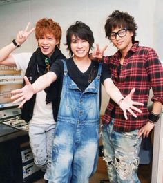 Kis-My-Ft2 Kento Senga, Taisuke Fujigaya and Takashi Nikaido