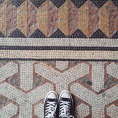 Des puristes de la mosaïque au Ministère de l'Agriculture  #lecarrelagedepaule  #latergram #jep2015 #paris #ihavethisthingwithfloors #tileaddiction #mosaic #mosaico #paris #seemyparis #fromwhereistand #explore #vsco #vscocam by paule_henriette