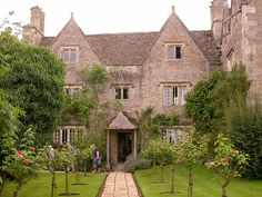 Kelmscott Manor, Oxfordshire by Tim Waters, via Flickr, former home of William Morris