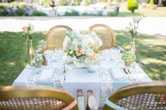 Blue and yellow table setting / Bubblerock photography