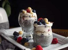 Snídaně patří k základním kamenům zdravého stravování. Quinoa, A Table, Low Carb, Pudding, Breakfast, Desserts, Dolce, Food, Smoothie