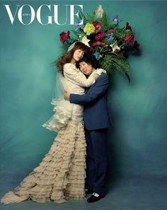 샤갈 bridal couple 패러디.  이처럼 신랑신부의 마음 한 가운데 꽃이 피어나듯이 사랑이 피어나는 아름다운 모습은 어느 시대이든 공감대를 형성한다.