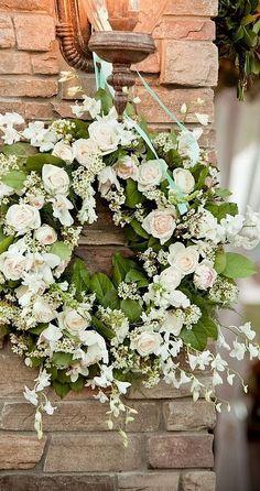White rose wreath - Kranz aus Rosen in wei Wedding Wreaths, Wedding Flowers, Wedding Decorations, Wreath Crafts, Diy Wreath, White Wreath, Wreath Ideas, Corona Floral, Wreaths And Garlands