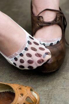 Socks by Sock Dreams » Sheer Polka Dot Toe Footie