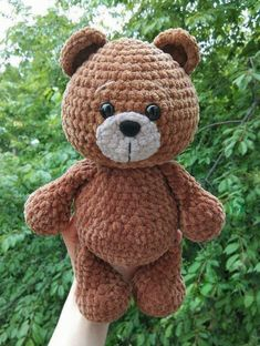 FREE crochet bear pattern If you're searching for a cute plush toy, take a look at this bear amigurumi. Enjoy this free crochet pattern, create a your own bear. The finished bear is 26 cm tall. Crochet Bear Patterns, Amigurumi Patterns, Crochet Animals, Crochet Teddy Bears, Crochet Cats, Crochet Animal Amigurumi, Crochet Birds, Amigurumi Toys, Crochet Stitches