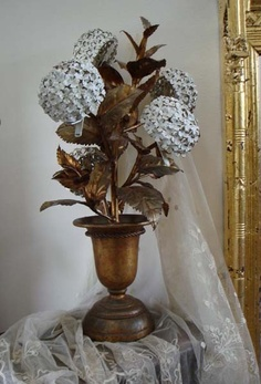 Antique Italian Tole Hydrangea Urn Potted Lamp Beautiful & Rare