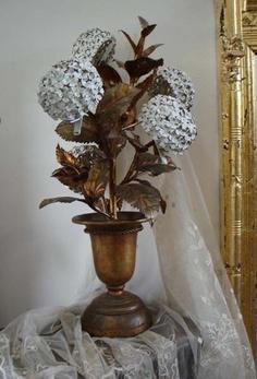 Antique Italian Tole Hydrangea Urn Potted Lamp Beautiful & Rare