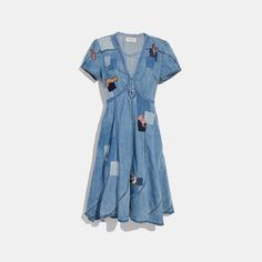 A nod to iconic styles, our denim dress features vintage-inspired patchwork. The throwback style has an unexpected handkerchief hem and is specially dyed for a lived-in look. 1950s Fashion Women, Curvy Women Fashion, Dressy Dresses, Women's Dresses, Club Dresses, Formal Dress, Dresses Online, Womens Denim Dress, Fashion Corner