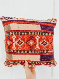 One-of-a-kind Moroccan kilim pillow made from vintage rugs. This is the perfect addition to your simple and classic bedroom or living room. A touch of color that will help you renovate your house without spending a lot. Lucky Collective Textile #LuckyCollective #Kilim #ThrowPillow Orange Throw Pillows, Kilim Pillows, Custom Pillows, Decorative Pillows, Pillow Quotes, Silk Pillow, Handmade Decorations, Pillow Inserts, Moroccan