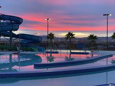 Pool in Vegas, no edits : VaporwaveAesthetics