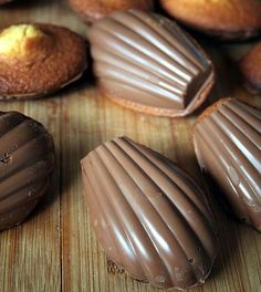 Le goûter de notre enfance : réalisez des madeleines à la coque en chocolat, comme celles de maman !