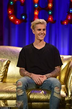 Big fan: Justin Bieber told Alan Carr's Chatty Man in an interview to air on Friday, that he broke down in tears while watching the Amy Winehouse film Justin Bieber Smile, Justin Bieber Pictures, Justin Bieber Interview, Amy Winehouse Documentary, Chatty Man, Alan Carr, Bae, Celebs, Celebrities