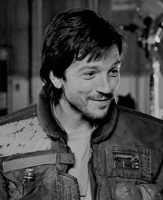 The rare and elusive Cassian Andor smile. It is difficult to catch a glimpse of such a thing in the wild. Mainly because it is so dangerous to the weak hearts of mortal teen girls.<<<Yeah I thought of you alaina when I saw this lol. Diego Luna, Rogue One Star Wars, Star Wars Cast, The Force Is Strong, Long Time Ago, Attractive Men, Far Away, Rogues, Celebrity Crush