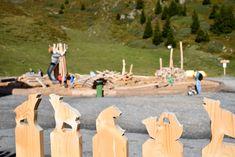 Das Bärenland in Arosa im Schweizer Kanton Graubünden ist eine wunderbarer Ausflugstipp für die ganze Familie. Es gibt zahlreiche schöne Aktivitäten, die sich mit dem Besuch des Bärenlands in Arosa verbinden lassen für einen tollen Tag in den Schweizer Bergen. Kanton, Bergen, Travel, Arosa, One Day Trip, Swiss Guard, Playground, Tourism, Explore