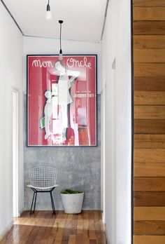 Beautiful styling of Jacques Tati's 'Mon Oncle' postert. Photo by Angelita Bonetti, production / styling by Anna Flanders for The Design Files. Harry Bertoia, Vintage French Posters, French Vintage, Interior Styling, Interior Design, Man Of The House, Entry Hallway, Entryway, Concrete Wood
