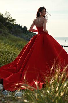 Runway Fashion, Fashion News, Fashion Beauty, Fashion Show, Fashion Design, High Fashion, Style Fashion, Dolce & Gabbana, Giorgio Armani