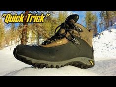 Cold feet are a big problem to many people in winter. Here's one easy- to- make trick to keep your feet warm. Read more about the reflective material Survival Tips, Survival Skills, Outdoor Sporting Goods, Foot Warmers, Winter Hacks, Cold Feet, Warm In The Winter, Winter Shoes, Emergency Preparedness