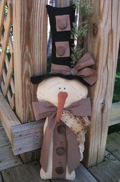 Folk Art PrimiTive WinTer ChrisTmas SNOWMAN Stump Grungy DOLL Star DecoraTion #NaivePrimitive #MelissaHarmon