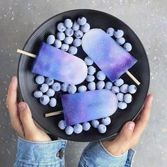To Infinity & Beyond Yay or Nay? Galaxy ice cream popsicles with blueberries Mini Desserts, Dessert Recipes, Cute Food, Yummy Food, Kreative Desserts, Cute Baking, Rainbow Food, Aesthetic Food, Food Cravings