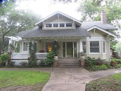 10 Bungalow House Plans to Impress Bungalow Style House, Craftsman Bungalow House Plans, Craftsman Cottage, Craftsman Exterior, Bungalow Homes, Craftsman Style Homes, Cottage House Plans, Craftsman Bungalows, New House Plans