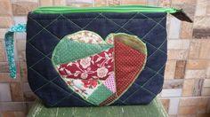 Necessaire jeans coração patchwork Mara.mazzei.cabanas@gmail.com
