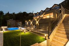 CREMIA - Residence di Moderno Design sul LAGO DI COMOAppartamenti di varie metrature in vendita.info@jfrealestate.it
