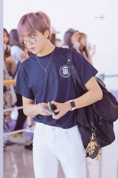 ᴊᴜsᴛ ᴀ ʙᴜɴᴄʜ ᴏғ ᴍᴀʀᴋʜʏᴜᴄᴋ ɢɪғᴛs ᴀɴᴅ ᴡᴀʟʟᴘᴀᴘᴇʀs ᴛᴏ ᴍᴀᴋᴇ ʏᴏᴜʀ ʟɪғᴇ ᴀ ᴛ… Sistema Solar, Kpop, Airport Style, Aesthetic Photo, Boyfriend Material, Taeyong, Jaehyun, Nct Dream, My Sunshine