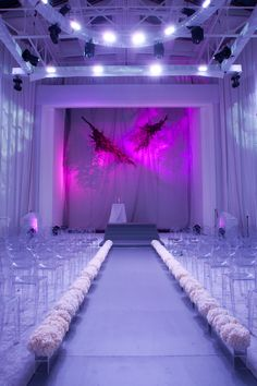 Modern and minimalist ceremony. Event and Floral Design: Jose Graterol Designs.