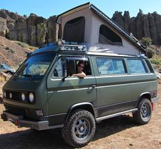 syncro Hippies love nature outdoors and camping! Campers road trips in a Westphalia log cabins and more. An inspiring board to stay wild! Volkswagen Bus, Vw Bus T3, Vw T1, Vw T3 Westfalia, Vw Minibus, Vw T3 Doka, Bus Camper, Vw Caravan, Offroad Camper