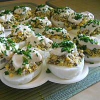 Jajka faszerowane pieczarkami Mary Berry, Polish Recipes, Deviled Eggs, Easter Recipes, Good Food, Food And Drink, Appetizers, Mad, Cooking Recipes